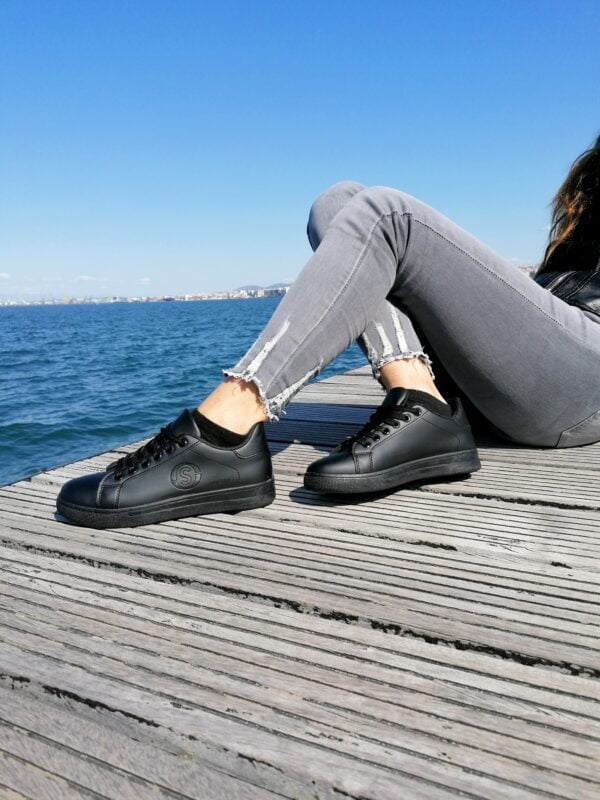 Sneakers All Black