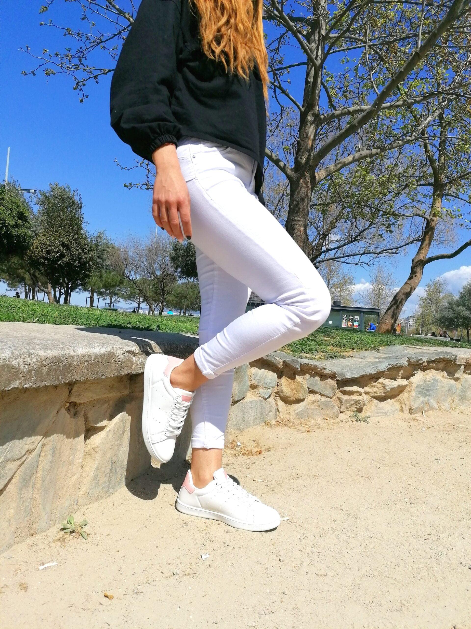 Sneakers Basic με Ροζ Λεπτομέρειες