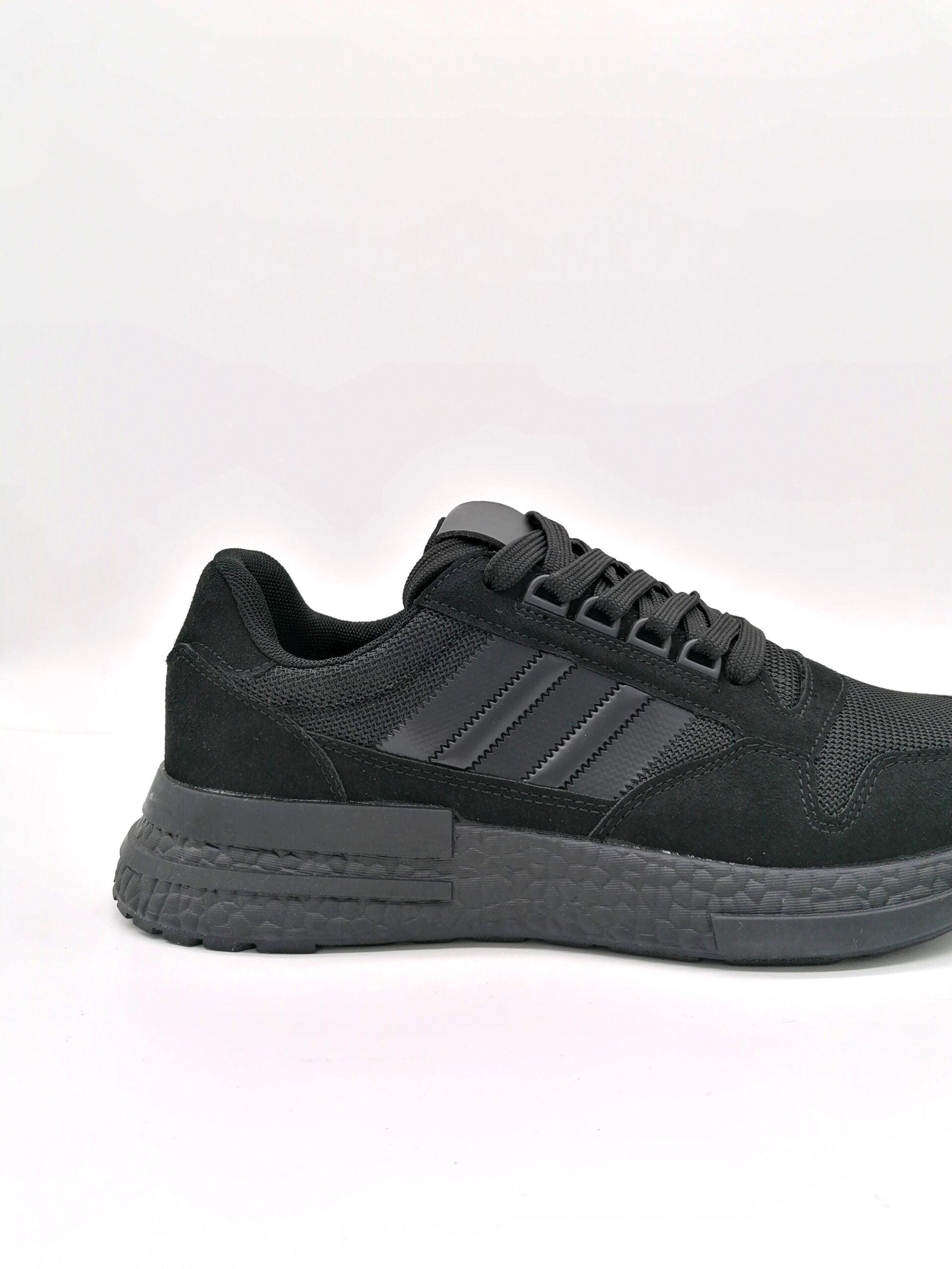 Sports shoe all Black