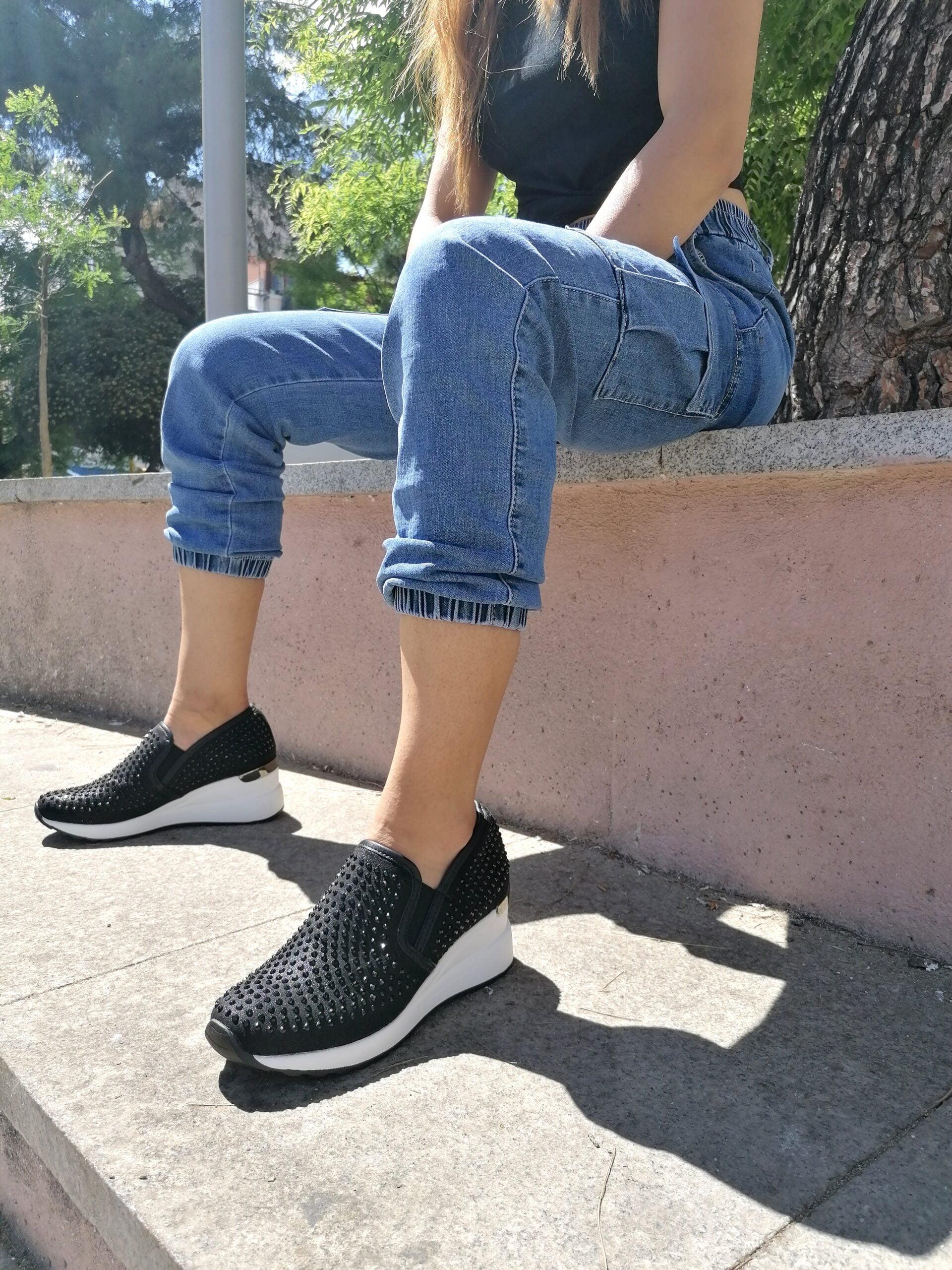 Sneakers με Μεγάλα Στρας Black