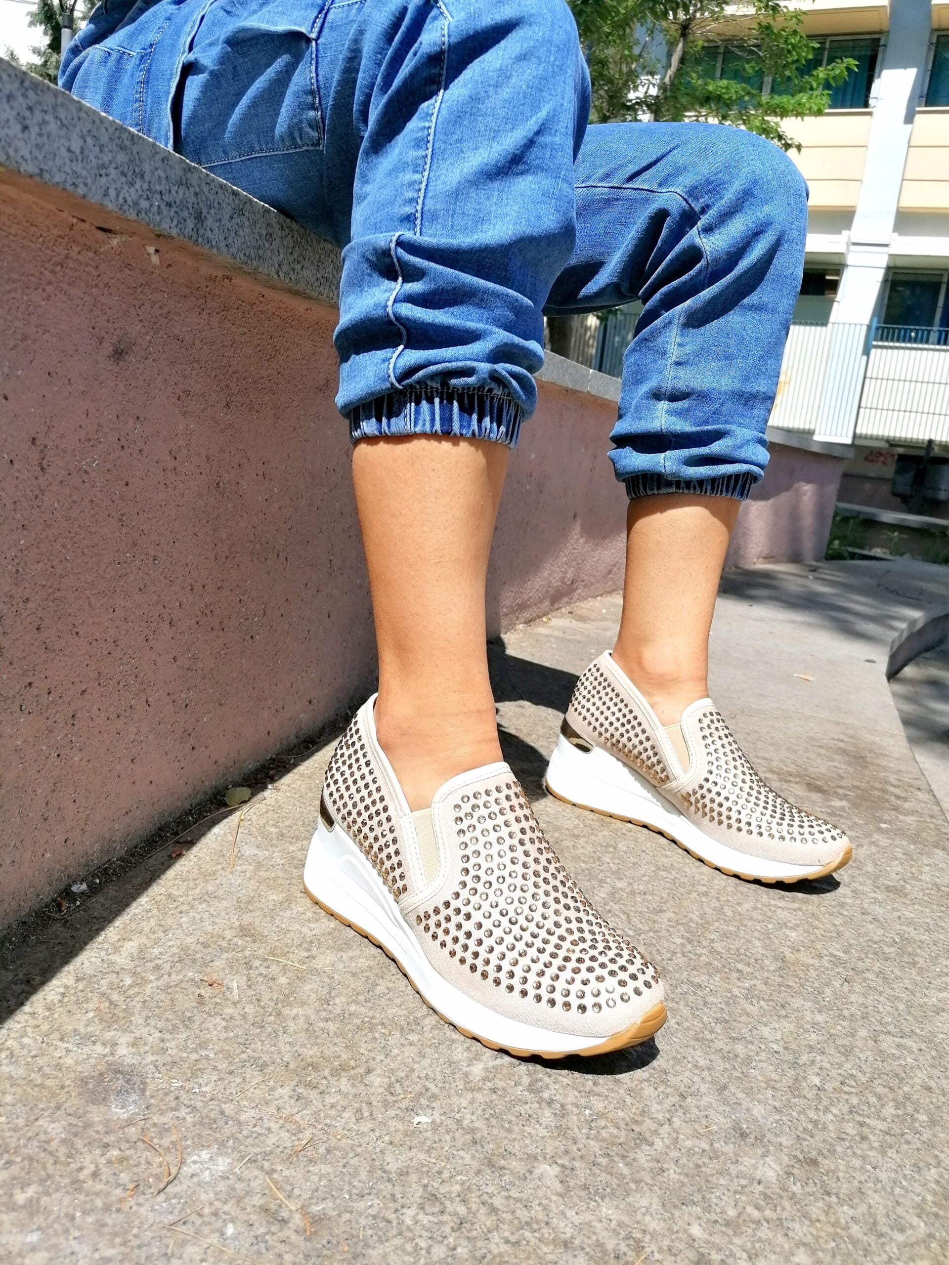 Sneakers με Μεγάλα Στρας Gold
