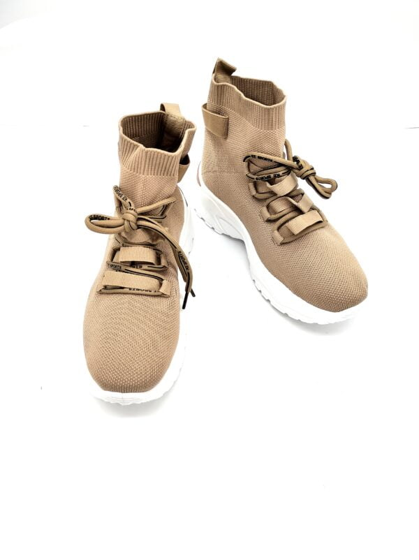 Women's Sneakers with Black Details