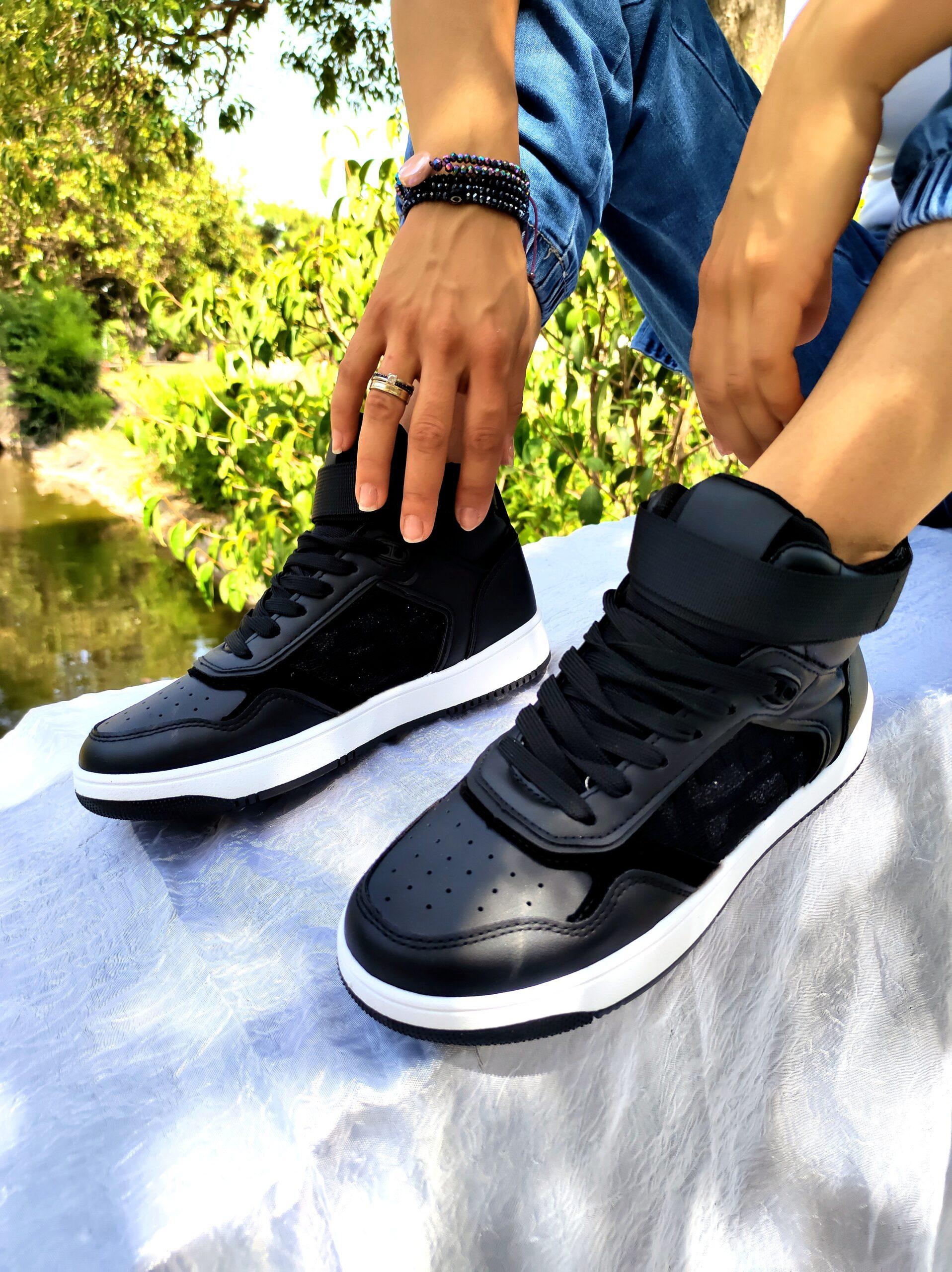 High Black Sneakers