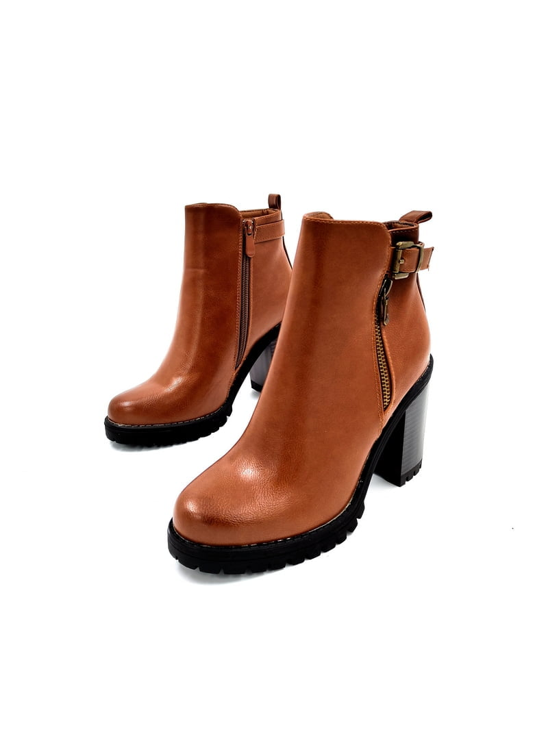 Boot with decorative belt and zipper Camel